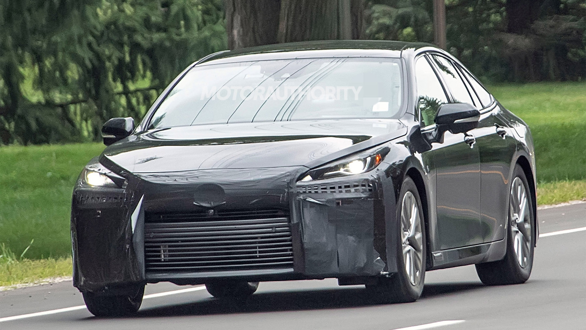 2021 丰田汽车 Mirai spy shots - Photo credit: S. Baldauf/SB-Medien