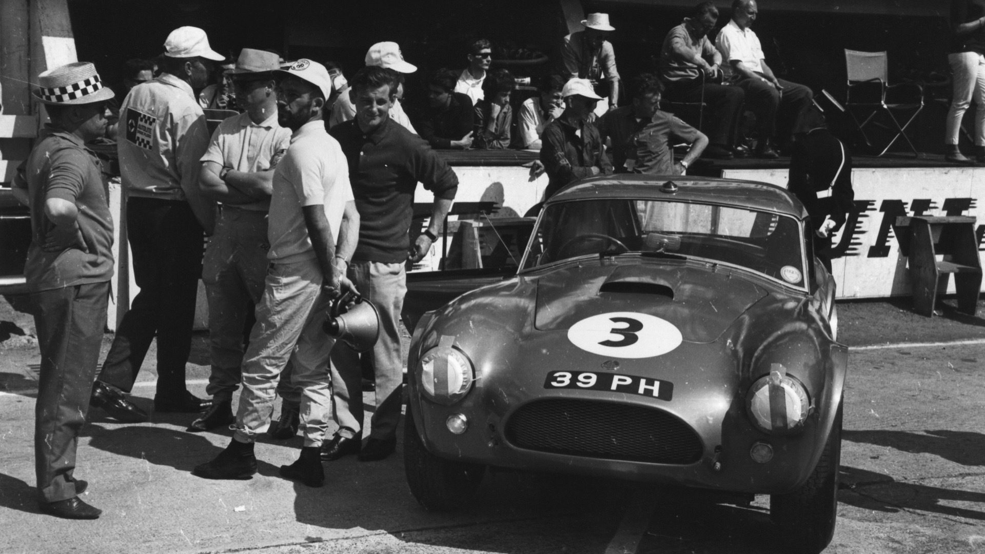AC Cobra at the 1963 24 Hours of Le Mans