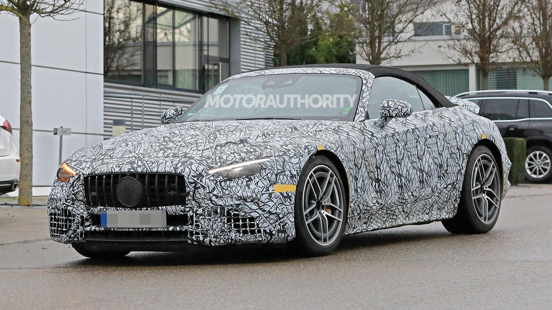 2022 Mercedes-Benz AMG SL63 Roadster spy shots - Photo credit: S. Baldauf / SB-Medien