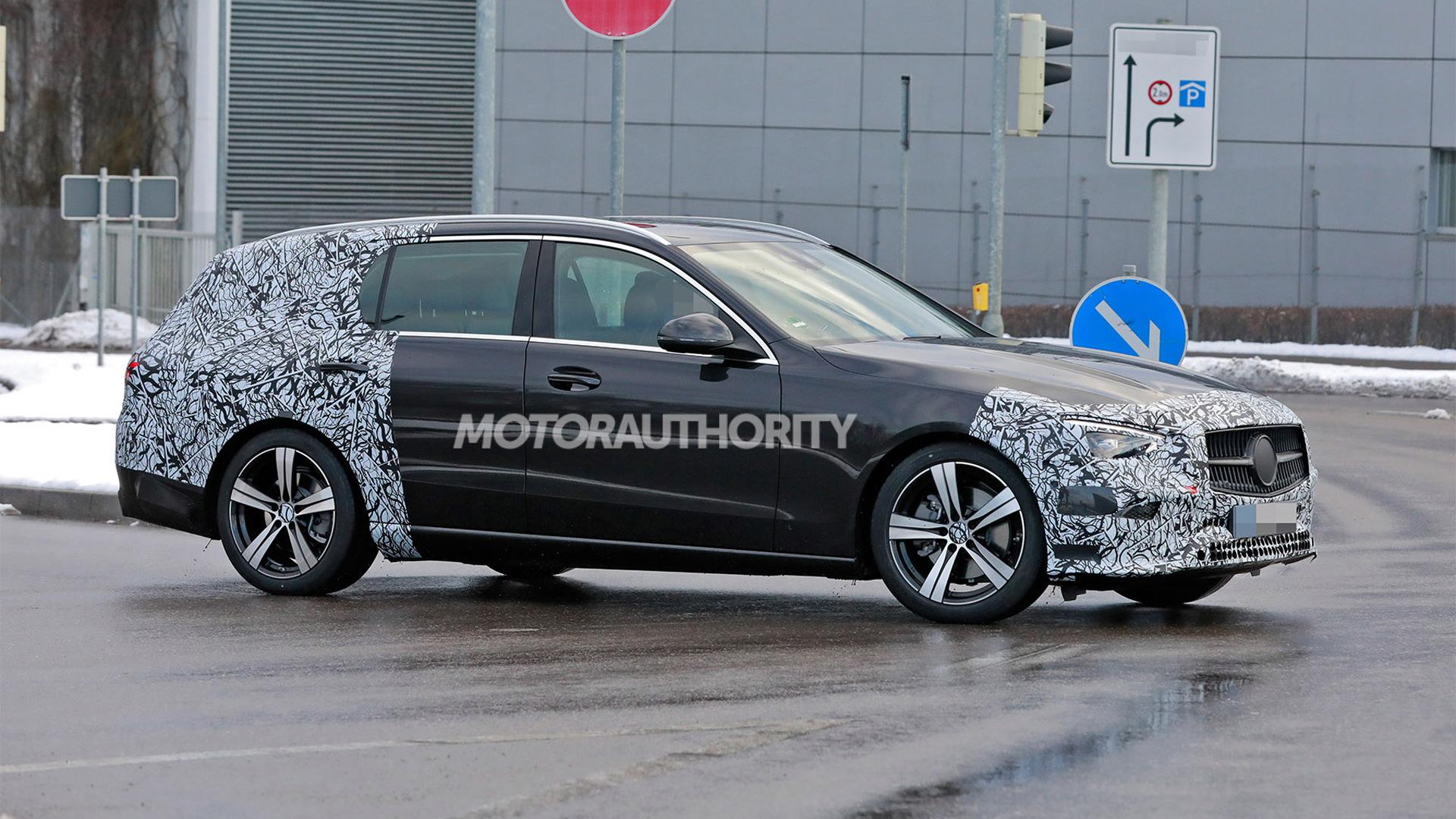 2022 Mercedes-Benz C-Class Wagon spy shots - Photo credit:S. Baldauf/SB-Medien