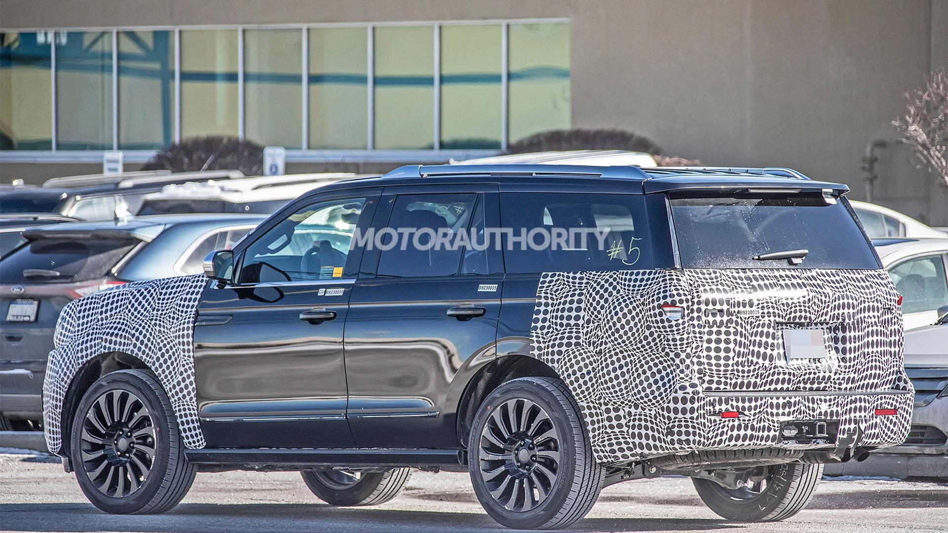 2022 Lincoln Navigator facelift spy shots - Photo credit:S. Baldauf/SB-Medien