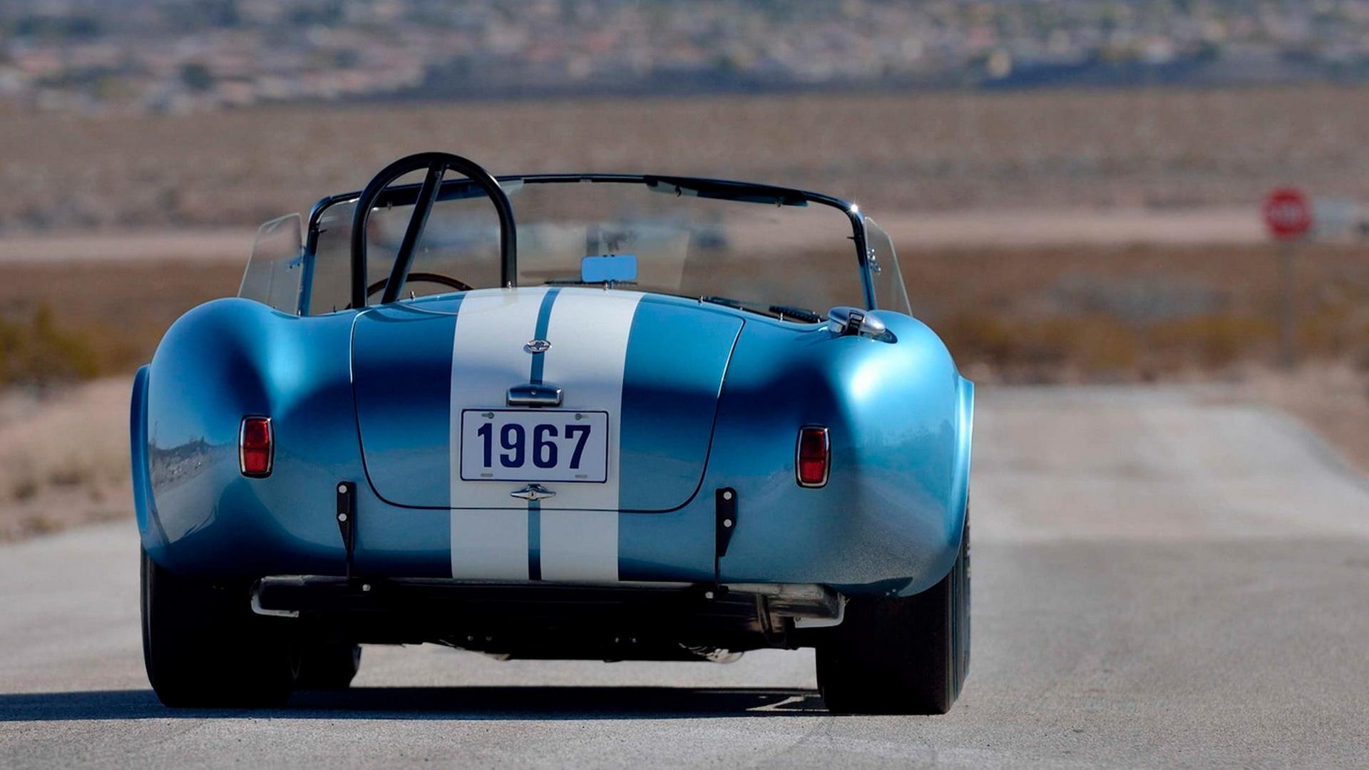 1967 Shelby Cobra 427 S/C bearing chassis no. CSX3042 - Photo credit: Mecum