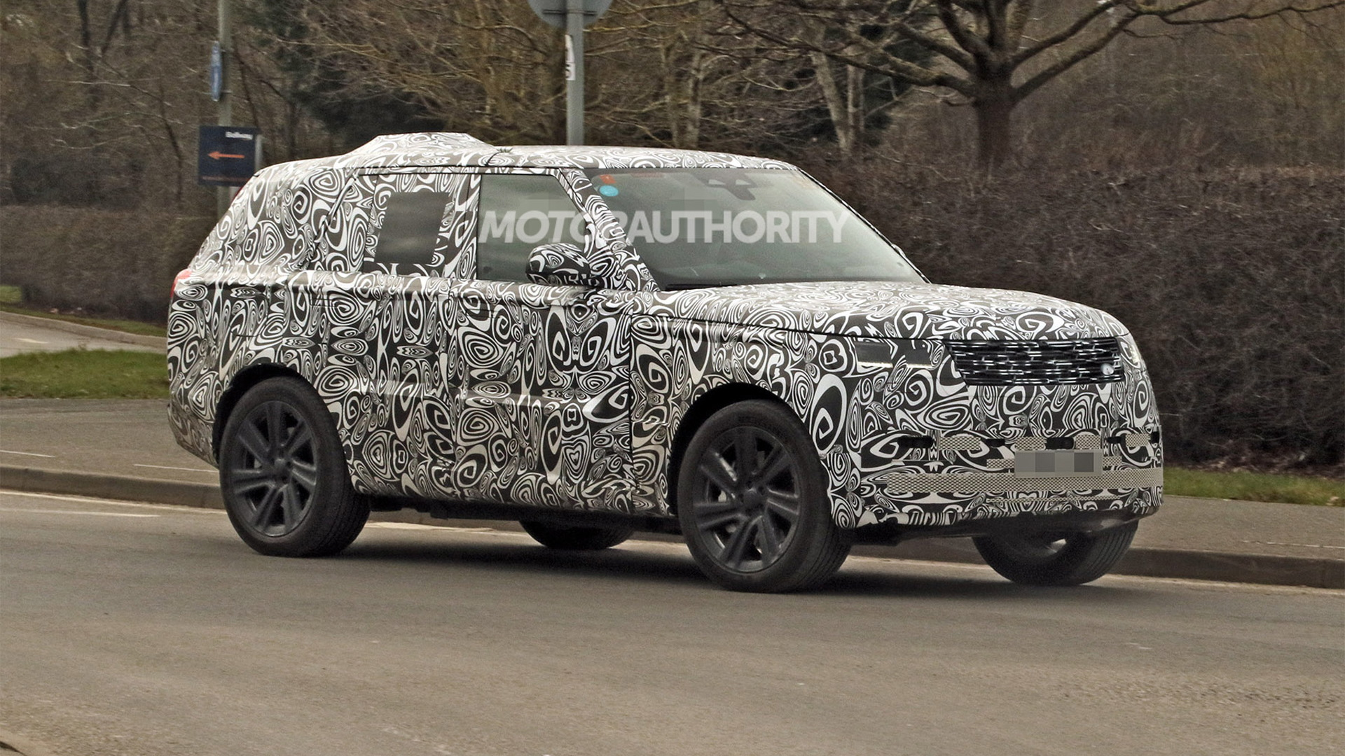 2022 Land Rover Range Rover spy shots - Photo credit: S. Baldauf/SB-Medien