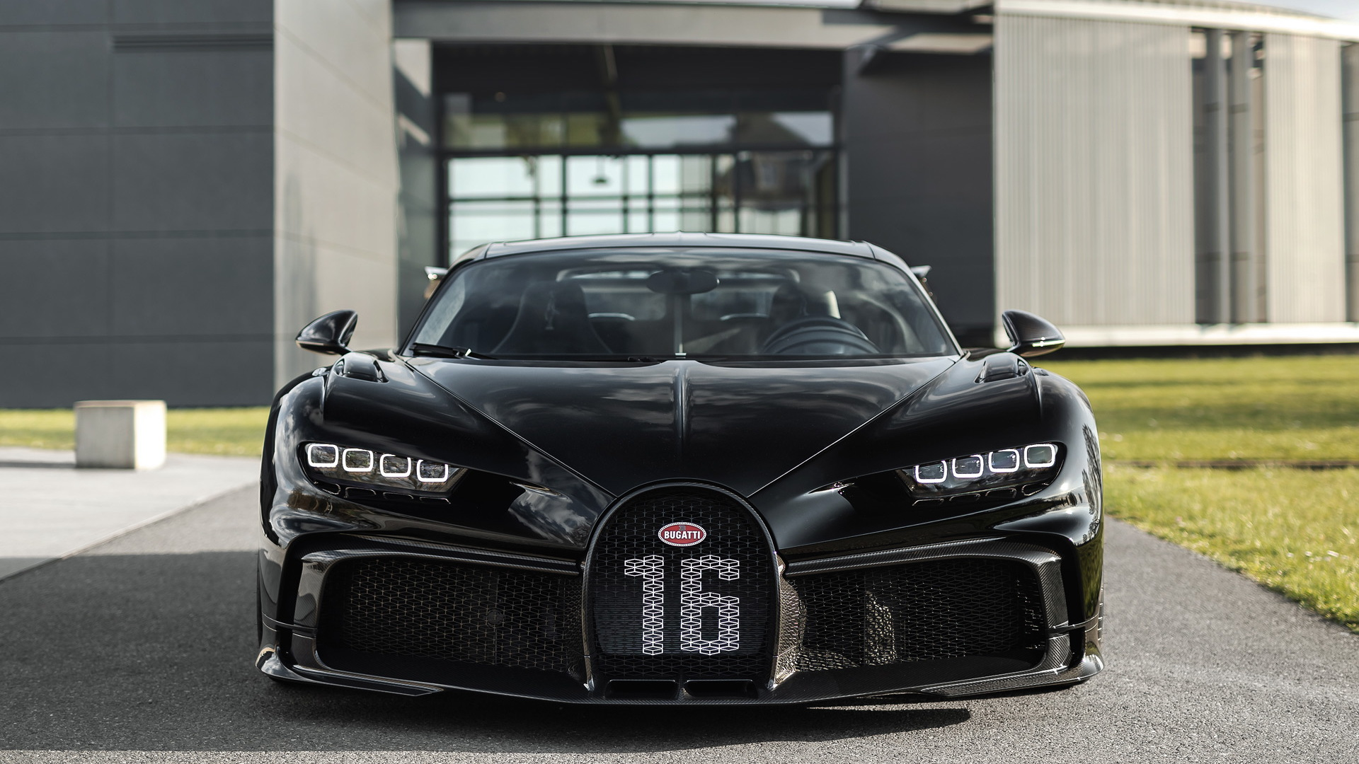 Bugatti's 300th Chiron is a Pur Sport finished in black