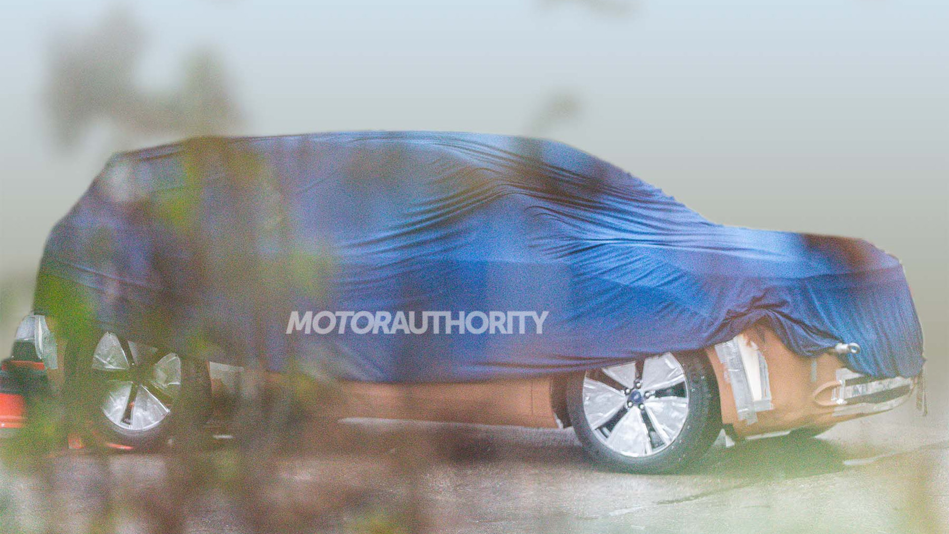 2023 Ford MEB-based electric crossover spy shots - Photo credit: S. Baldauf/SB-Medien