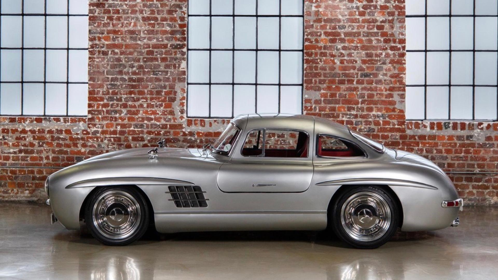 Mercedes-Benz 300SL gullwing replica (Photo by Crossley & Webb)