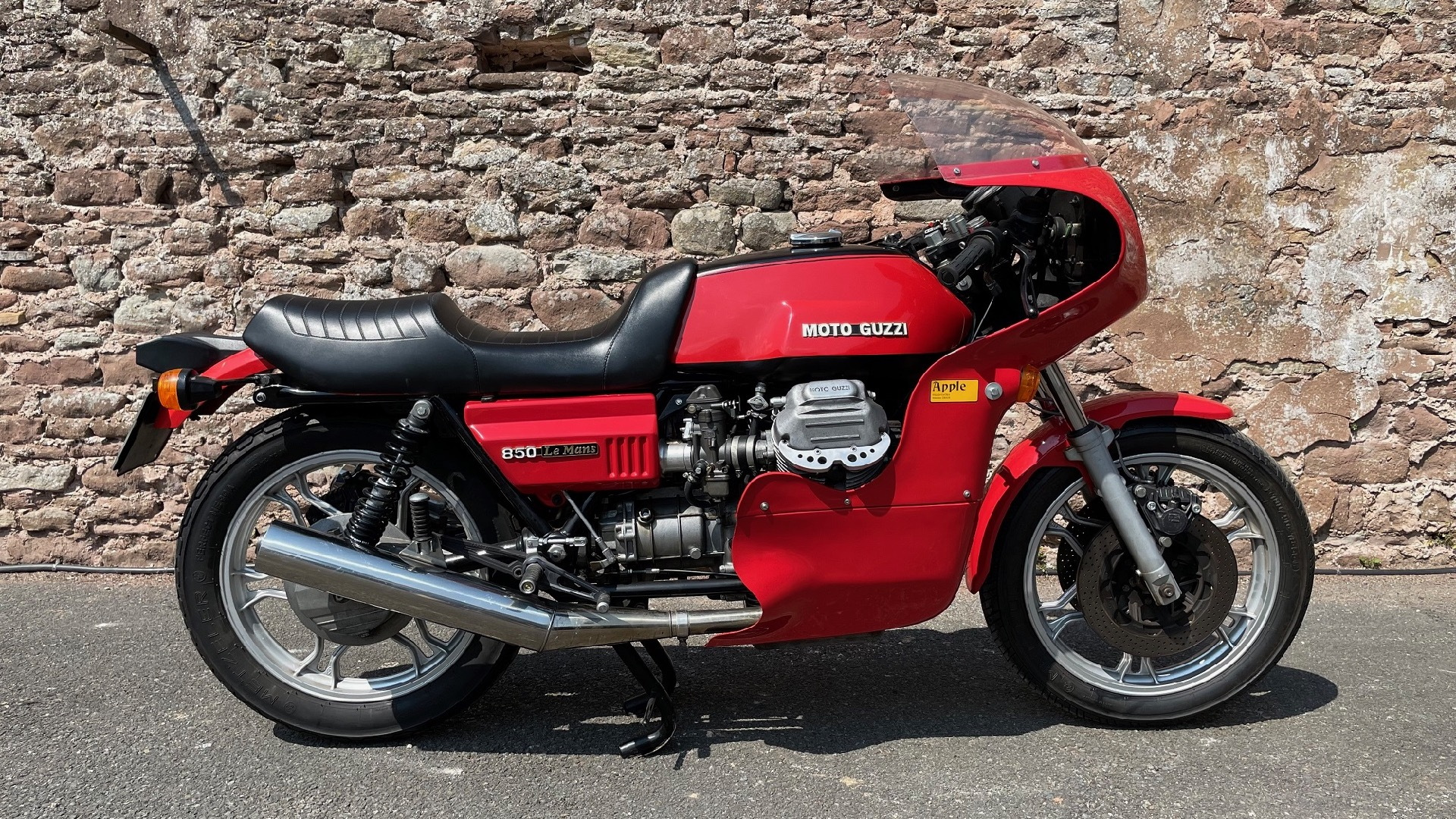 1977 Moto Guzzi Le Mans Mk1 owned by Richard Hammond (photo via Silverstone Auctions)