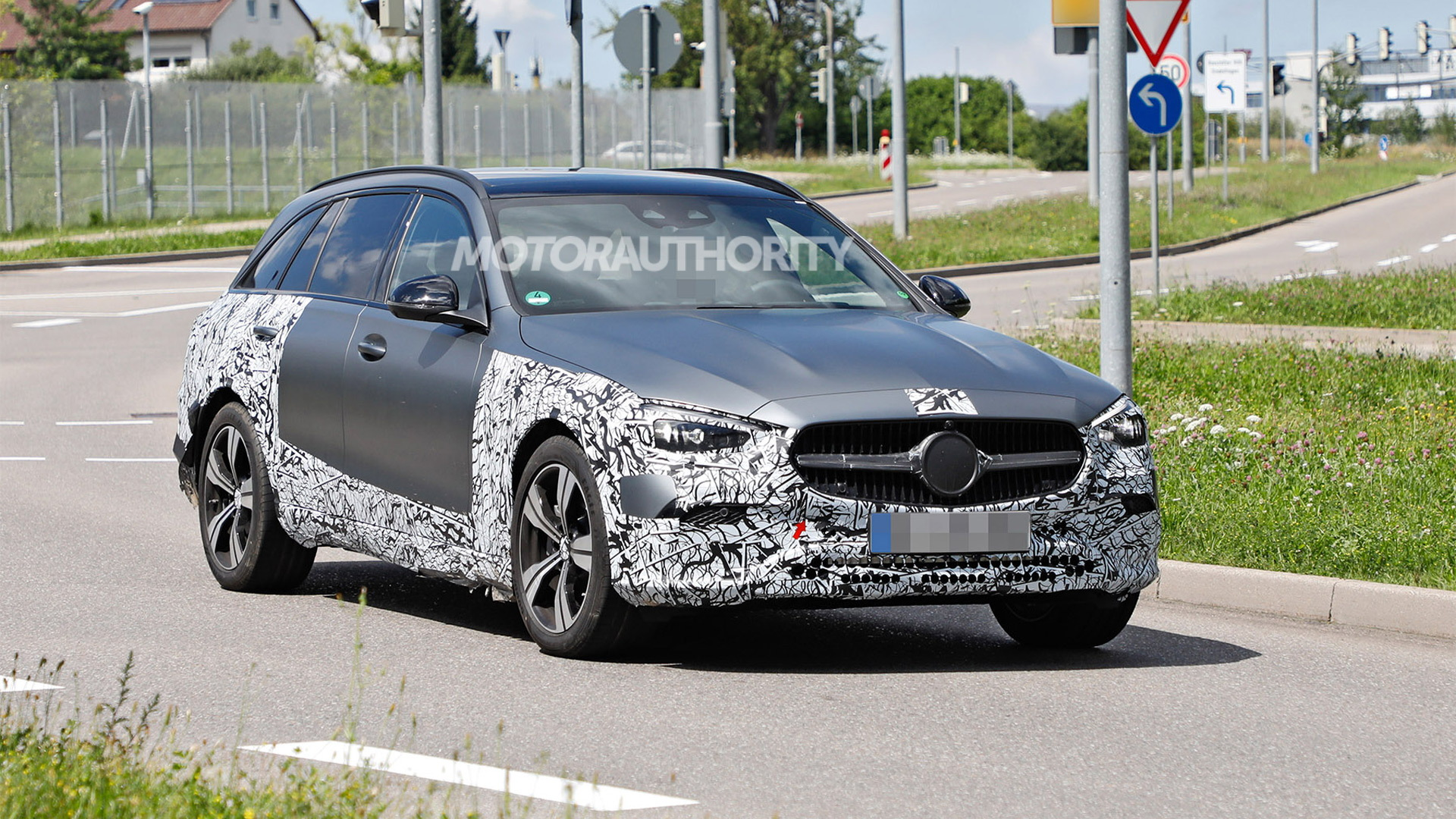 2022 Mercedes-Benz C-Class All-Terrain spy shots - Photo credit:S. Baldauf/SB-Medien