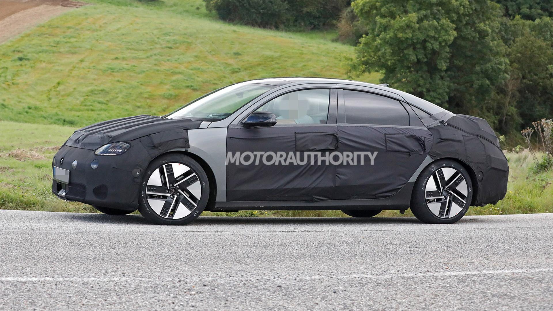 2023 Hyundai Ioniq 6 spy shots - Photo credit:S. Baldauf/SB-Medien