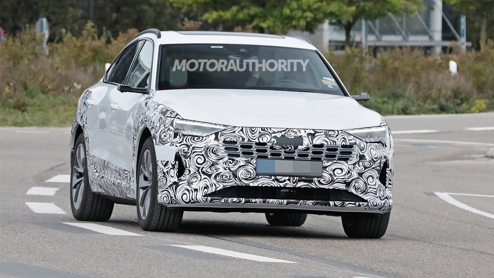 2023 Audi E-Tron Sportback facelift spy shots - Photo credit:S. Baldauf/SB-Medien