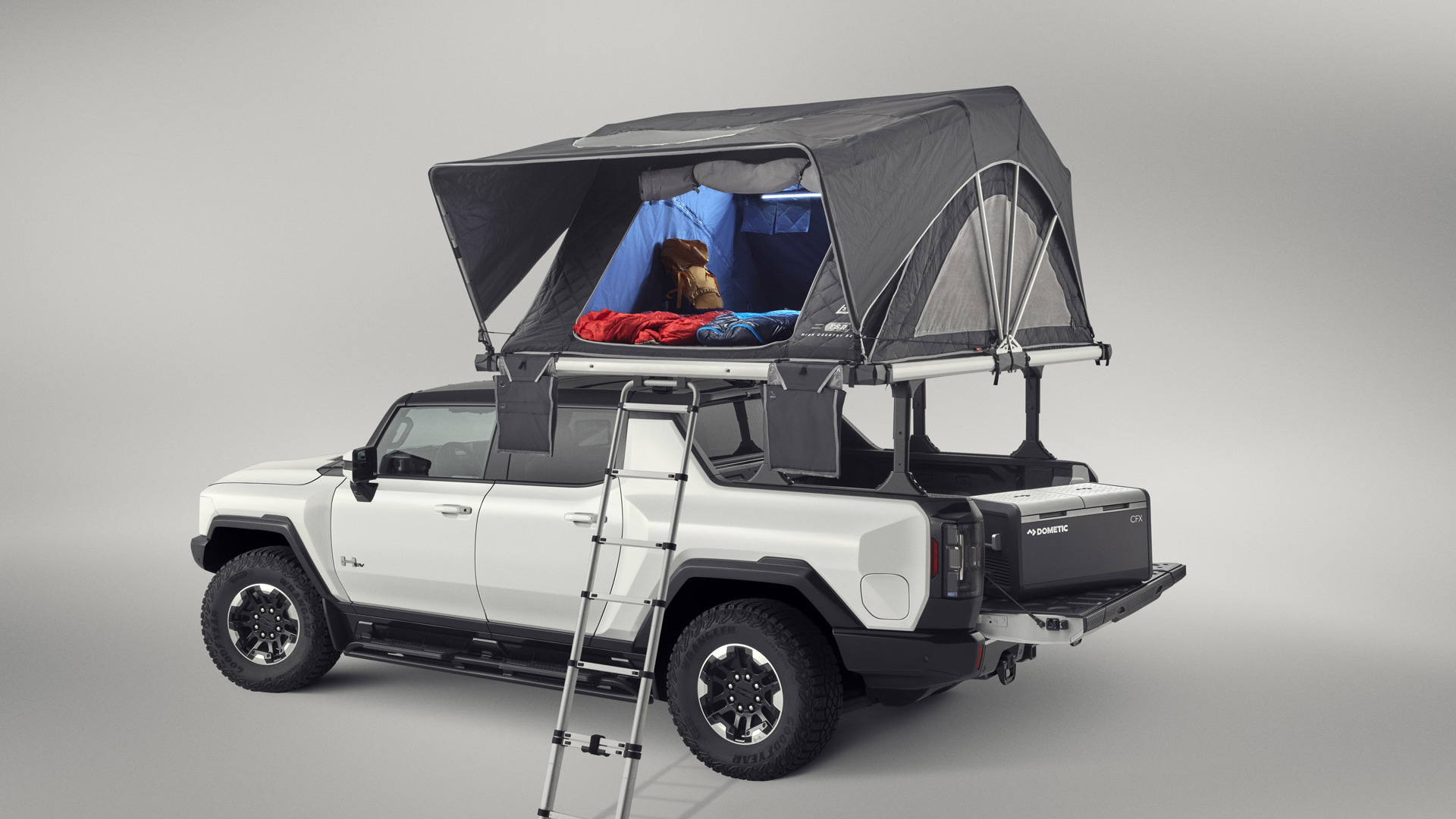2022 GMC Hummer EV fitted with accessories - 2021 SEMA show