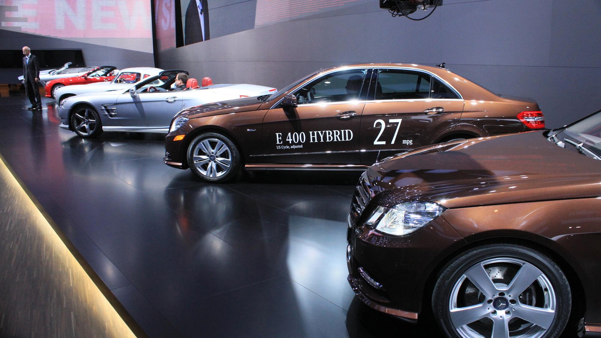 Mercedes-Benz E400 Hybrid and E300 Bluetec Hybrid live photos
