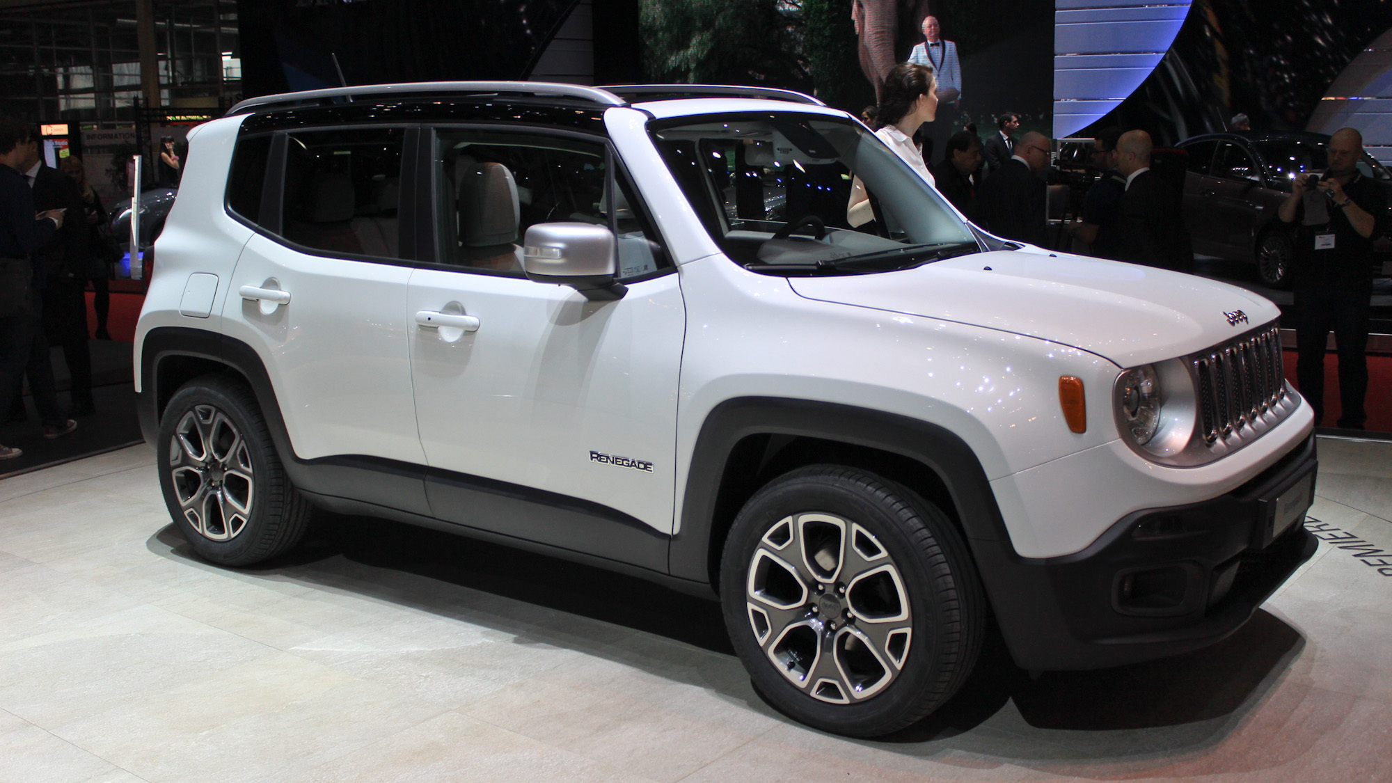 2020 Jeep Renegade Hybrid Debut Details >> Jeep Renegade Is Male While Fiat 500x Will Be More
