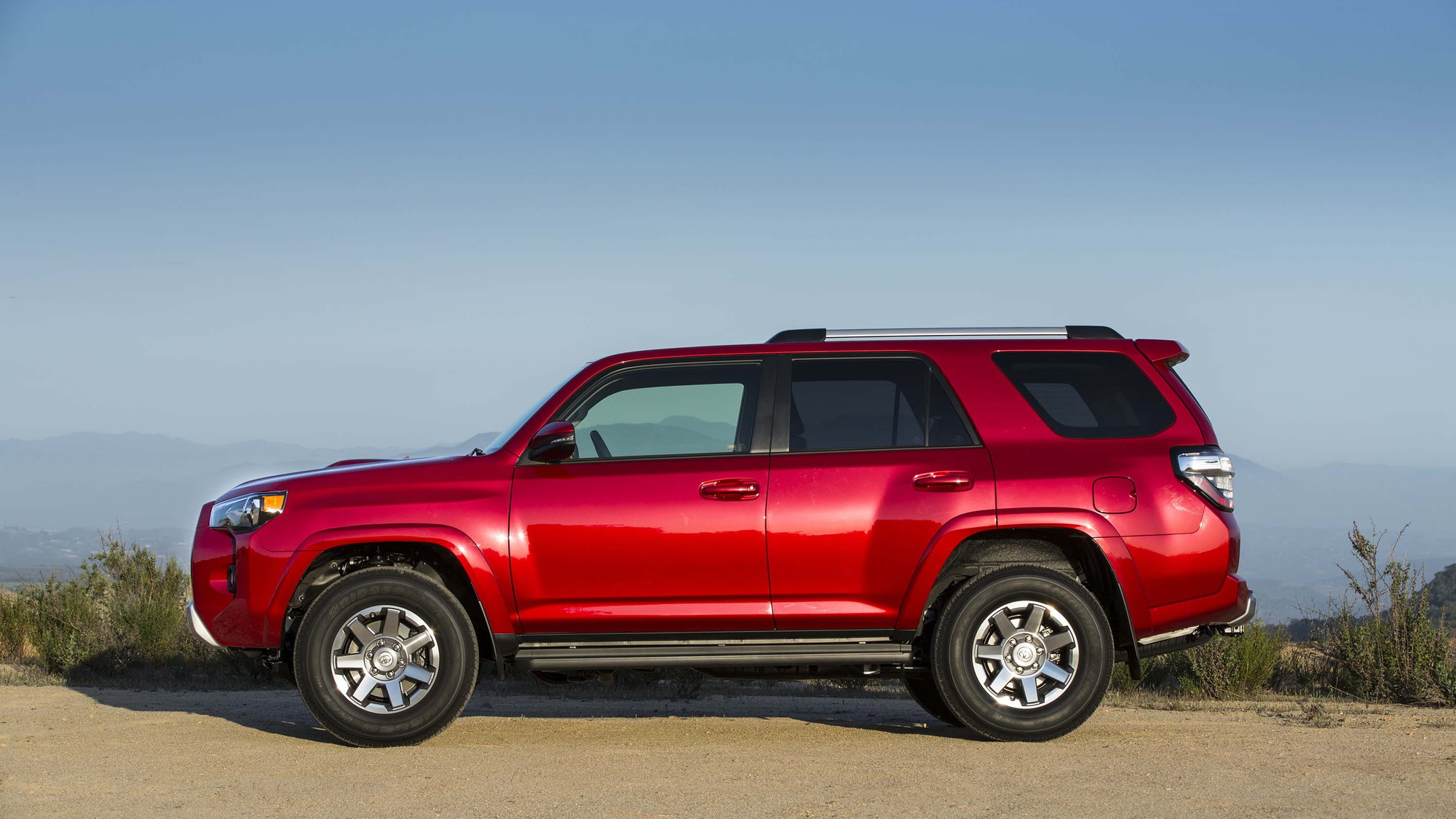 2017 Toyota 4Runner TRD Off Road trail review: archaic in ...