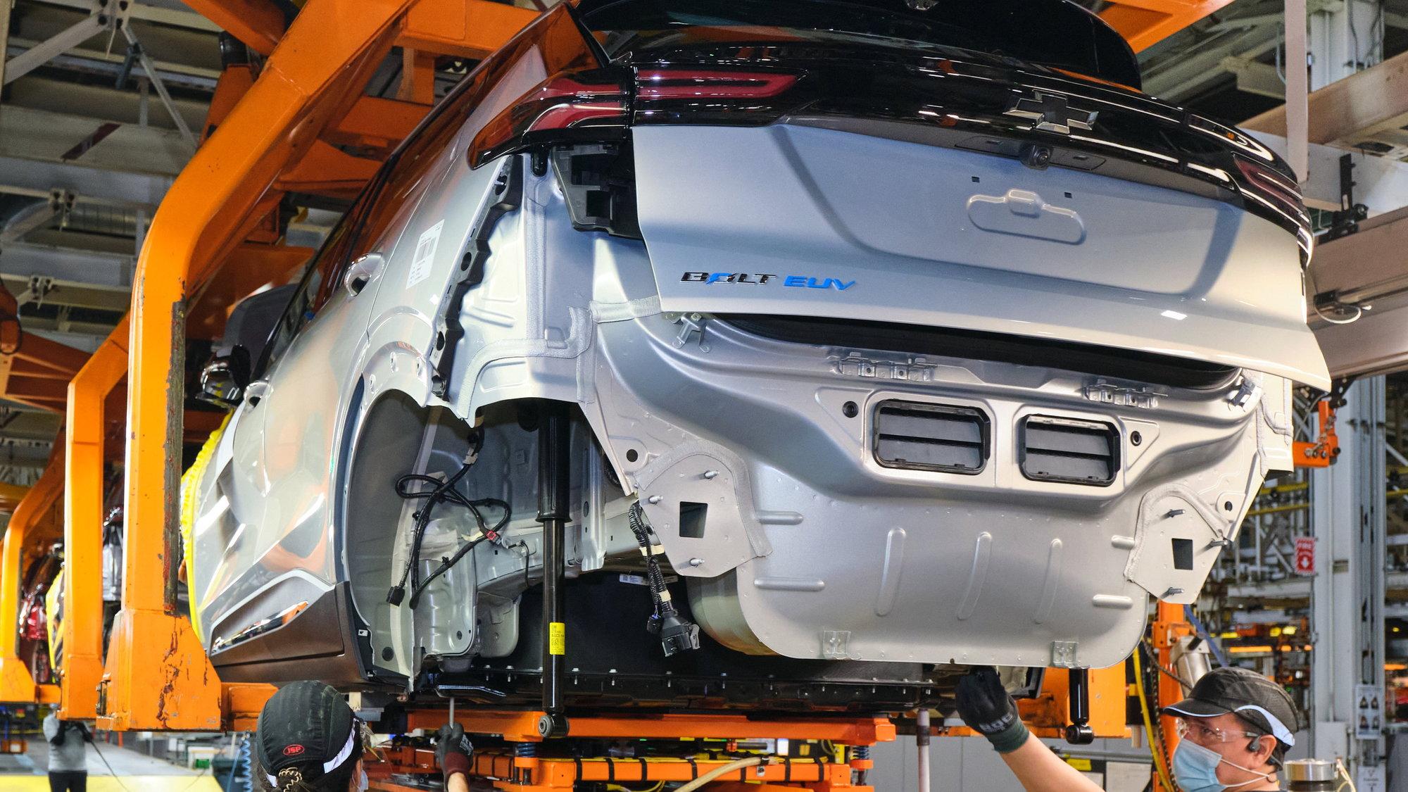 2022 Chevrolet Bolt EUV and EV production starts