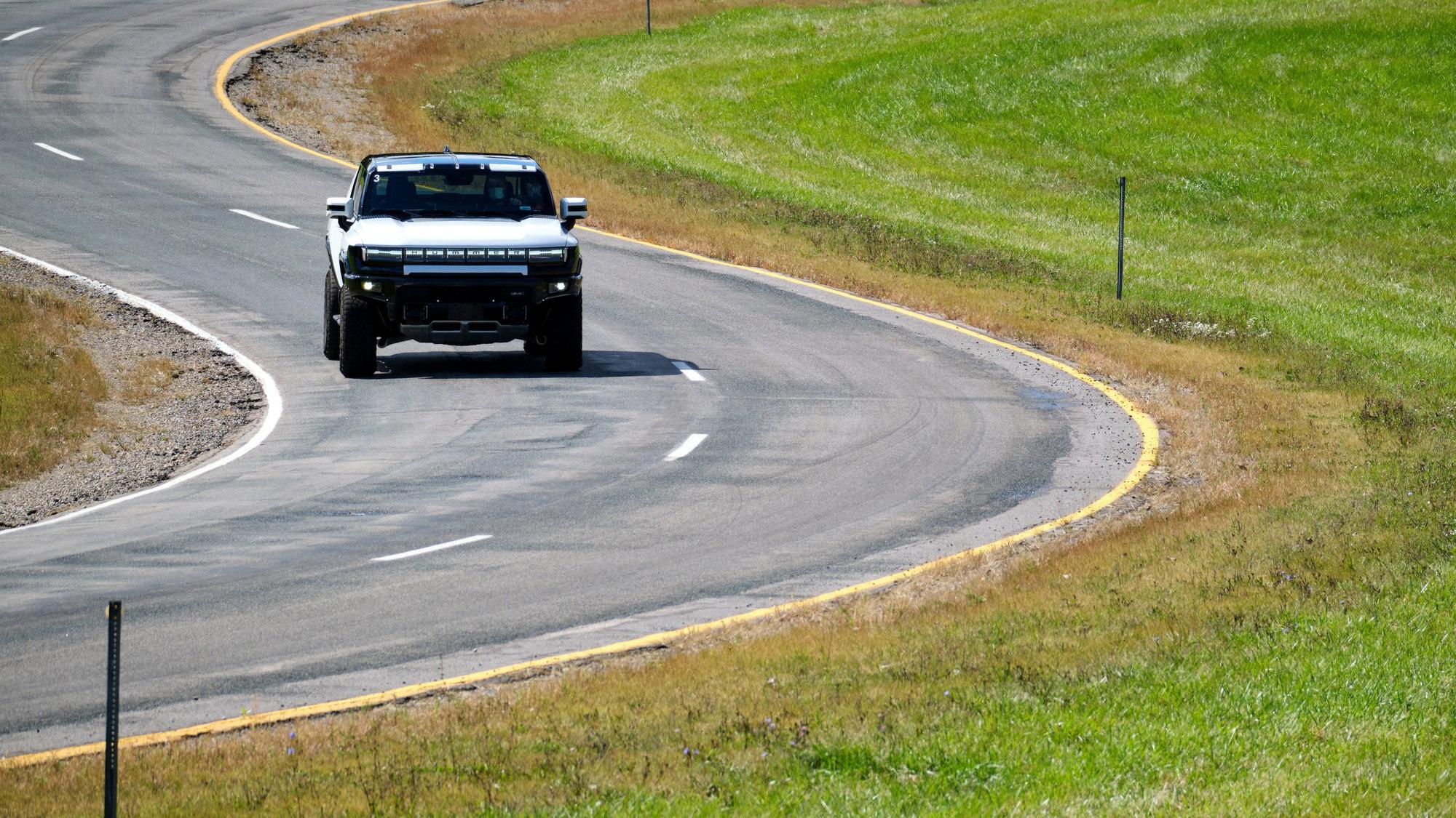 Nguyên mẫu 2022 GMC Hummer EV, ổ đĩa kỹ thuật, tháng 9 năm 2022 tại Milford Proving Grounds