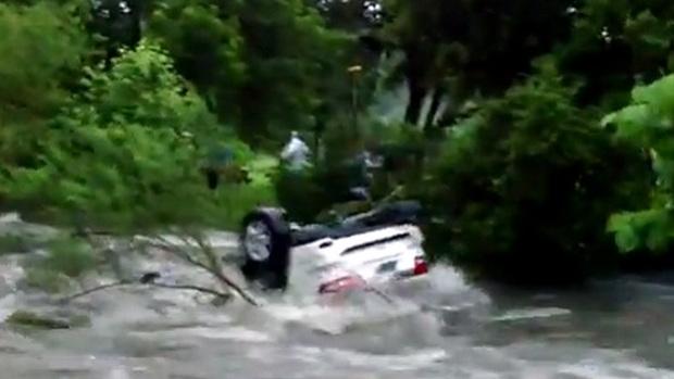 Texas Jeep Demonstrates Danger Of Flash Floods