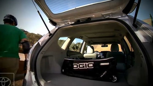 Toyota Prius MPV sneak peek