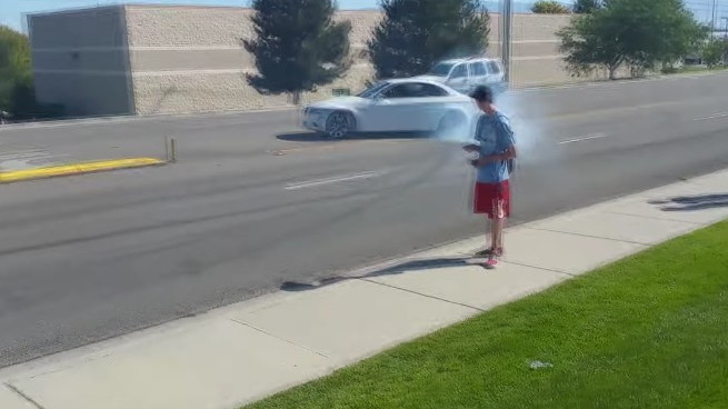 """BMW M3 almost """"drifts"""" into oncoming traffic"""