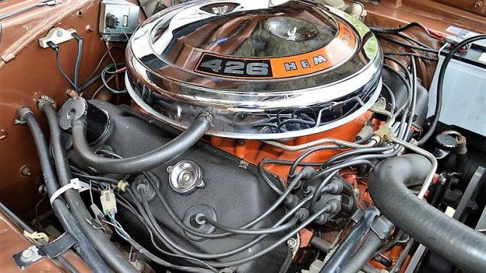 426-cubic-inch Hemi V-8