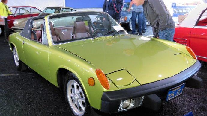 The Porsche 914 at Gooding's Scottsdale, Arizona, auction got plenty of attention | Bob Golfen photo