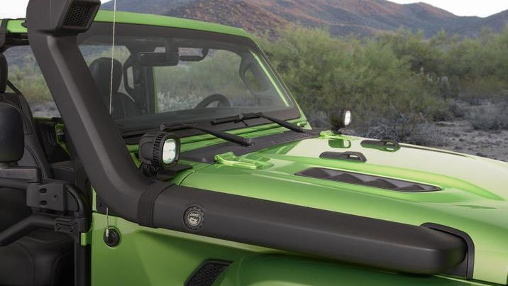 Mopar-modified Jeep Wrangler features a snorkel