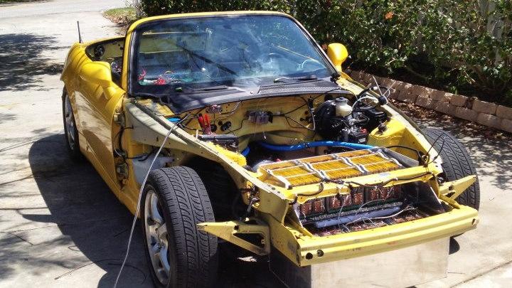 High school kid builds all-electric 700-hp Honda S2000. Photos by Juan Ehringer.
