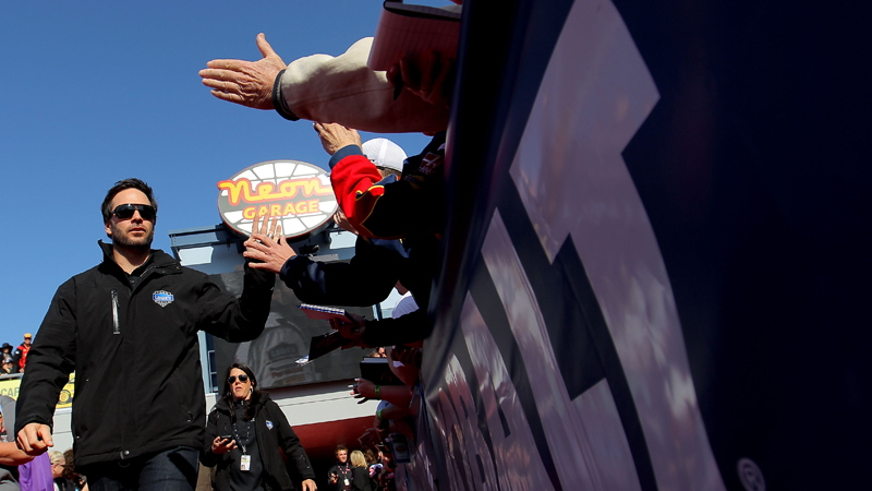 Jimmie Johnson greets fans in Las Vegas - NASCAR photo