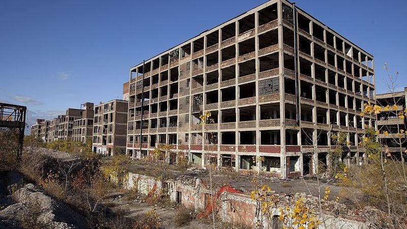 Abandoned Packard plant in Detroit, courtesy Albert duce via Wikimedia