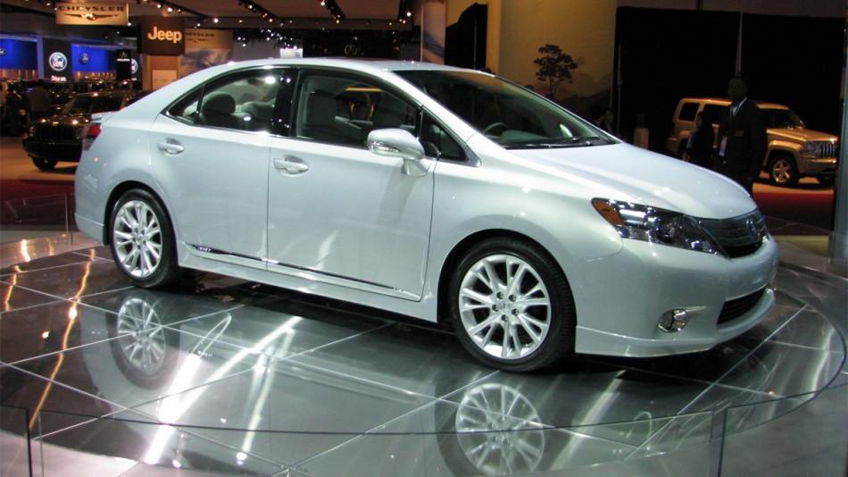 2010 lexus hs 250h hybrid sedan live 05 0112 950x673