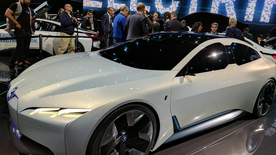 All-electric BMW i4 to be production version of i Vision ...