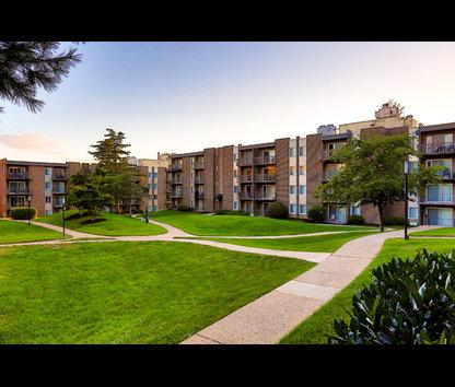 Eos Apartments Va