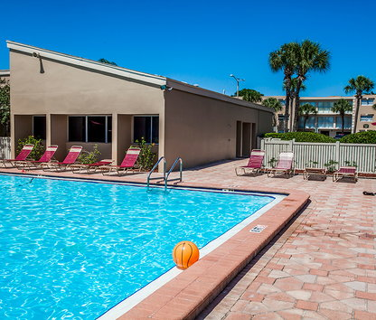 Emerald Pointe Apartments Saint Petersburg Fl