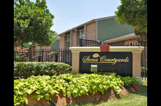 Image Of Siena Courtyards Formerly Rushcreek Village Apartments In Houston Tx