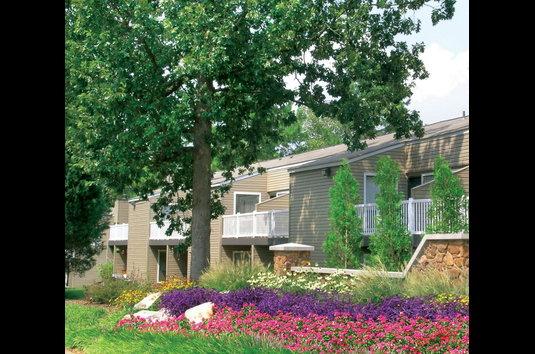 Lynnfield Place Apartments - 230 Reviews | Memphis, TN Apartments ...