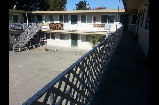 Image Of Lanai Garden Apartments In Hayward Ca