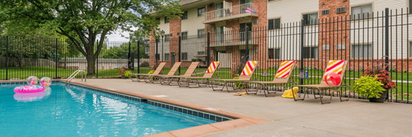 Parkwood Pointe Apartments