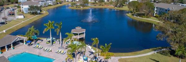 Grand Oaks at the Lake