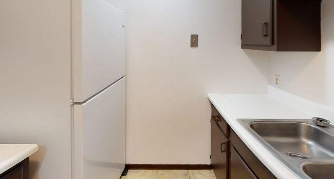 Accommodating Kitchen Storage