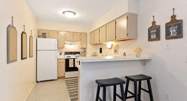 Breakfast Bar Kitchen at Dover Hills Apartments Kalamazoo MI