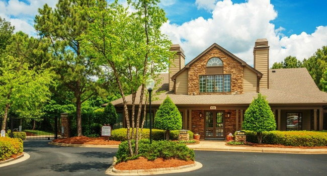 Image of The Reserve at Waterford Lakes Apartments in Charlotte, NC
