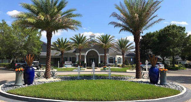 Our resident clubhouse features a resident business center and a coffee bar.