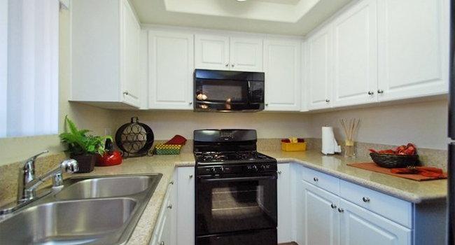 River Oaks 109 Reviews Oceanside Ca Apartments For Rent Apartmentratings C