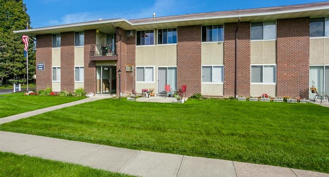 Creek Hill And White Oaks Apartments 2 Reviews Webster Ny