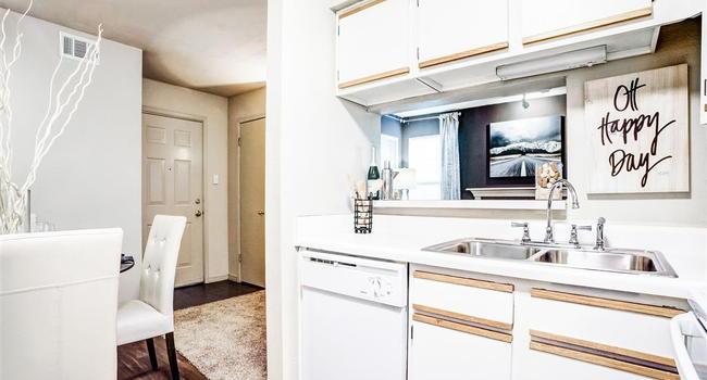 Riverside Park Apartments - 90 Reviews - Page 1 | Tulsa ...
