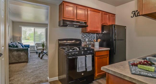 Autumn Ridge Apartments 97 Reviews Grand Rapids Mi Apartments For Rent Apartmentratings C