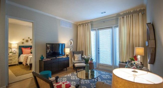 The Encore Apartments 32 Reviews Plano Tx Apartments