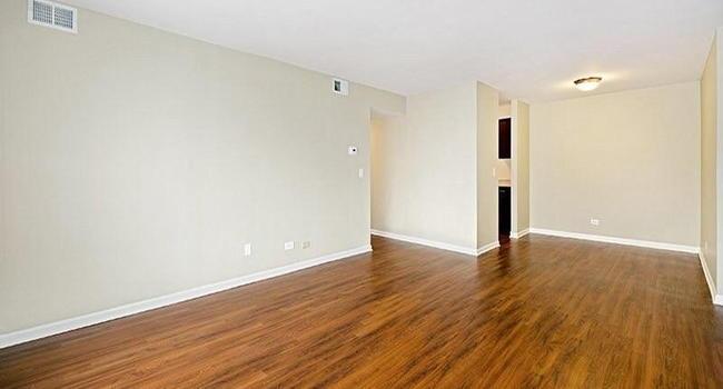 Lakeside Apartments - 222 Reviews | Lisle, IL Apartments ...
