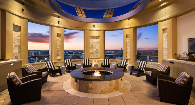 Fire Pit Lounge