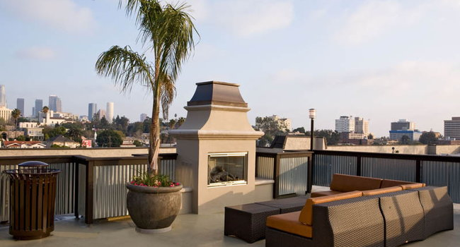 Image Of Esquire Apartments In Los Angeles Ca